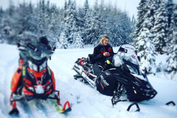 Randonnée motoneige demi-journée navette (centre ville de Québec) & collation