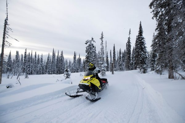 6 days snowmobile trip trail Québec-Monts Valin-Charlevoix-Saguenay