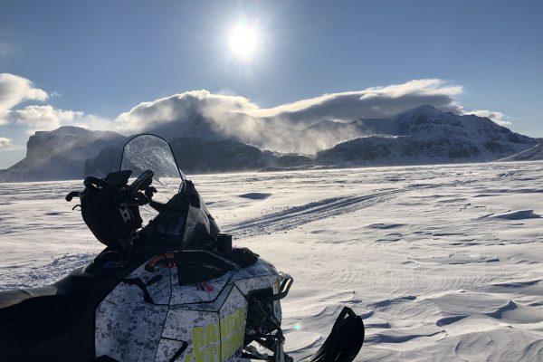 Expédition motoneige dans le Grand Nord Canadien