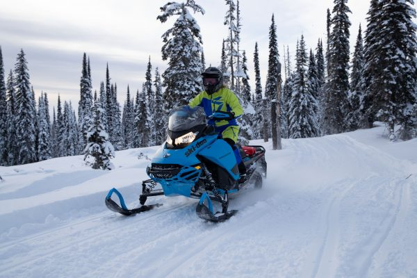 1 day snowmobile tour  Québec City or Charlevoix