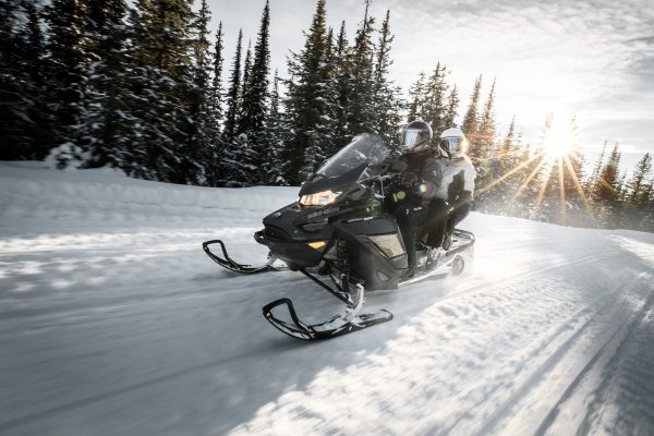 Passport snowmobile rental 1day and activities -40%rebate